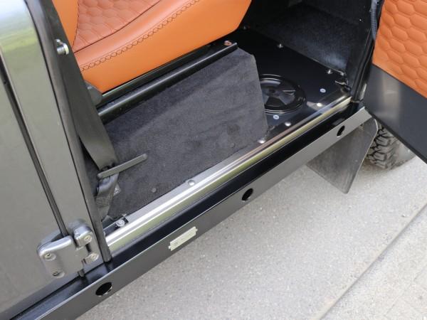 Entreq Edelstahl-Einstiegleisten Land Rover Defender 110 und 130