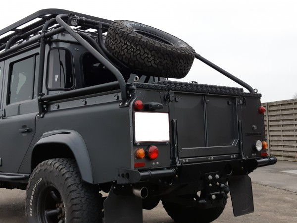 Safety Devices Ersatzradhalter für Überrollkäfig RBL1857SSS Land Rover Defender 110 Full External